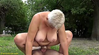 chubby mom outdoor fucked by her toyboy