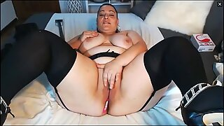 Bbw latinalaisamerikkalainen milf sisään sukat masturbates