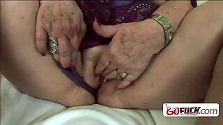 Kiimainen mummo saa porattu kovasti erikoisen nuoremman kaverin kanssa iso kyrpä