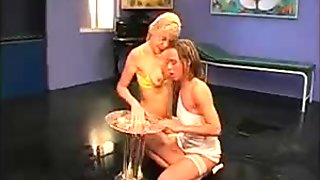 Sexy blonde whore gets her pussy fucked
