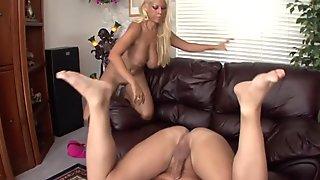 Blondie Bridgette deep ass licking
