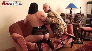 Hauskoja elokuvia saksalainen lesbo amatöörit