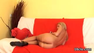 Ideal teenie is gaping narrow snatch in closeup and getting