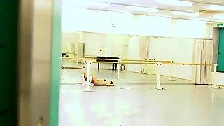 Real ballerina lick les