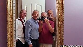 Frannkie ja jengitunniste joukkue ovelta ovelle -myyjä