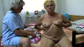 Kypsä nainen käyttää dildoa pullukka mummo