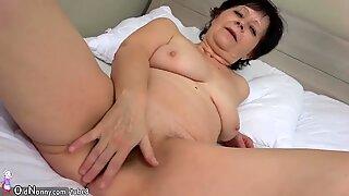 Oldnanny mummo kanssa nätti tyttö masturbointi tussu dildolla