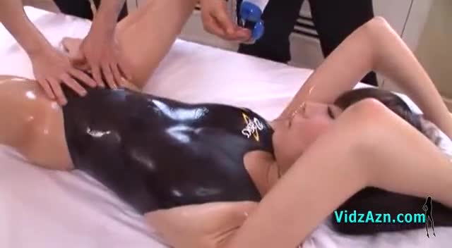 Asian Girl Getting Her Tits Rubbed Hairy Pussy Fingered Licked By The Masseuse On The Massage Bed