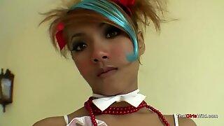 Thaimaalainen teini prinsessa vie kulli