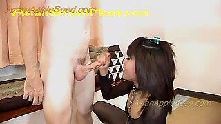 Korkeakorkoiset kreikkalaiset sandaalit valkoinen vyö ja koiran kaulapanta