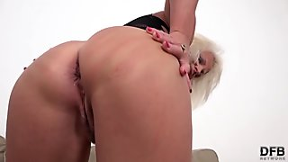 Anal toying action with Laura is too hot