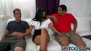 Spizoo - Gabby Quinteros ruuvataan 2 jam-kokoista kullitia, iso peppu ja isot tissit
